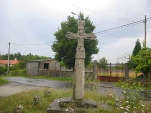011 Early Gothic Cross