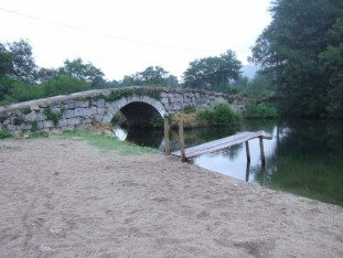 19 Back on the main route at the Ponte de Tabuas, literally the Bridge of Boards, referring to an earlier wooden bridge