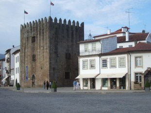41 Torre de Cadena, built as a prison in the 13th century and now housing a library with Internet connections